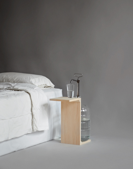 Tiny Nightstand benedetina: small spaces nightstand